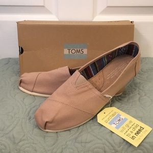 TOMS 9 brown